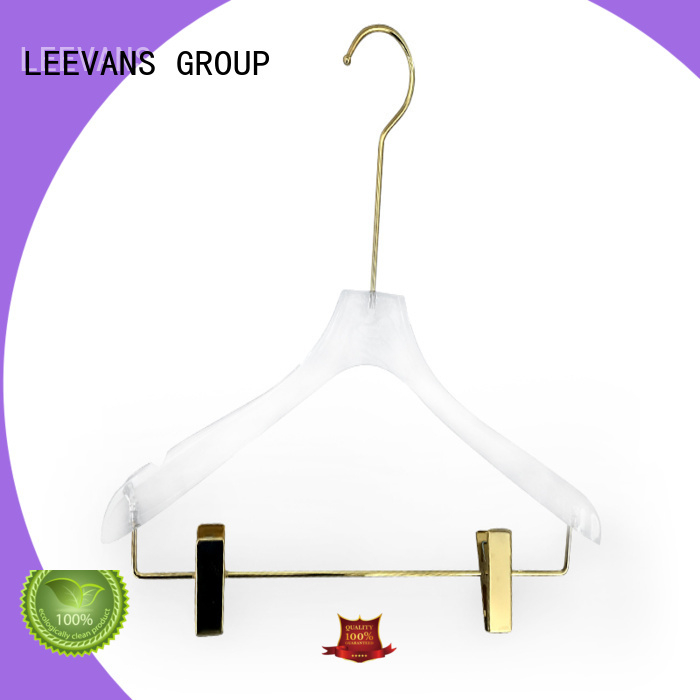 Top custom hangers or company for T-shirts