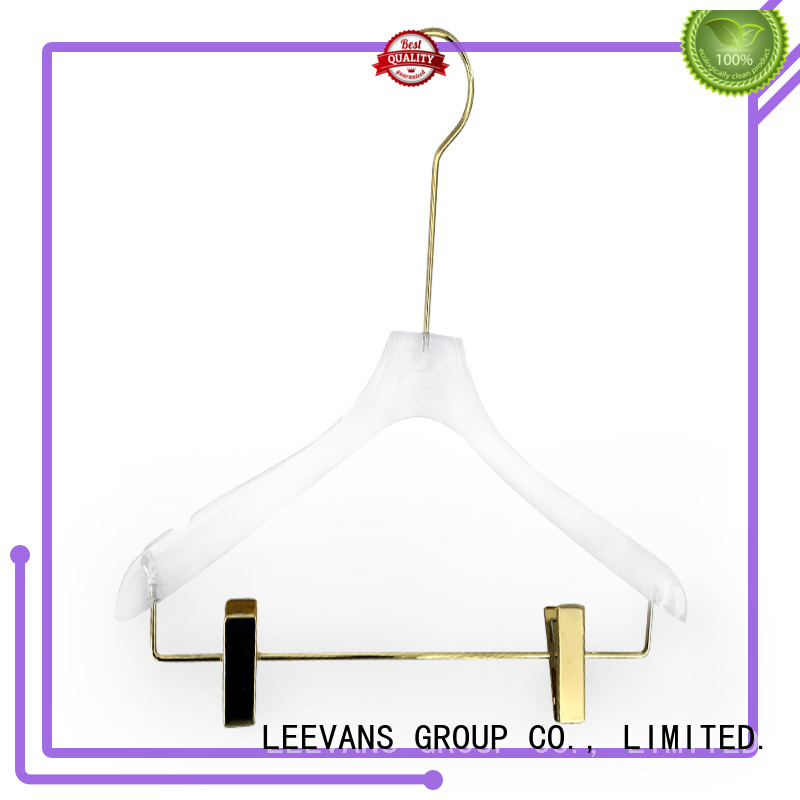 High-quality decorative hangers on manufacturers for T-shirts