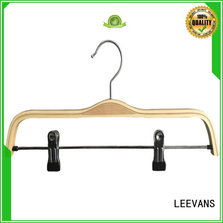 LEEVANS online wooden hangers with metal hook for kids