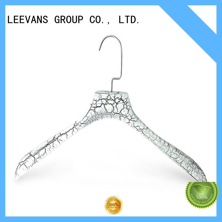 LEEVANS custom curved wooden hangers wholesale for clothes