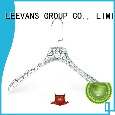 LEEVANS Latest personalised wooden hangers for business for kids