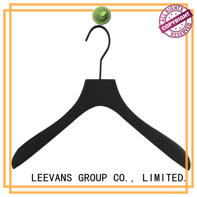 LEEVANS Best wooden cloth hanger company for kids