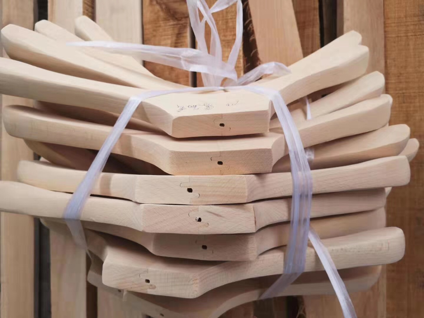 news-Wooden Clothes Hanger-LEEVANS-img