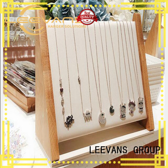 LEEVANS retail display props for business