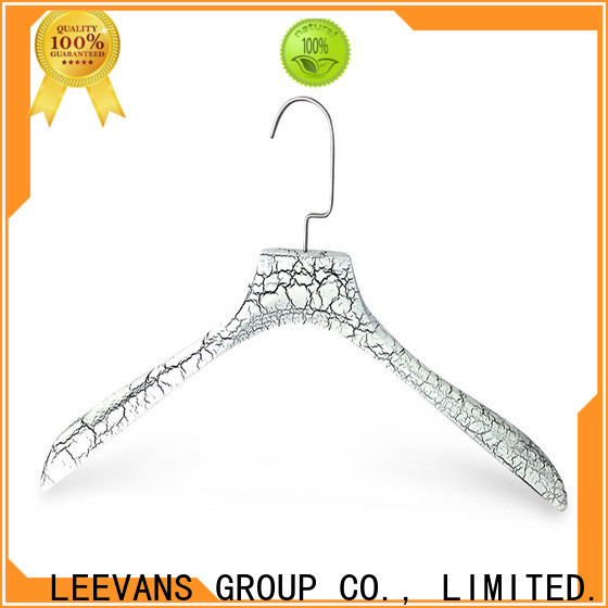 LEEVANS New cheap white wooden hangers Suppliers for clothes