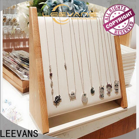 LEEVANS New retail display props manufacturers