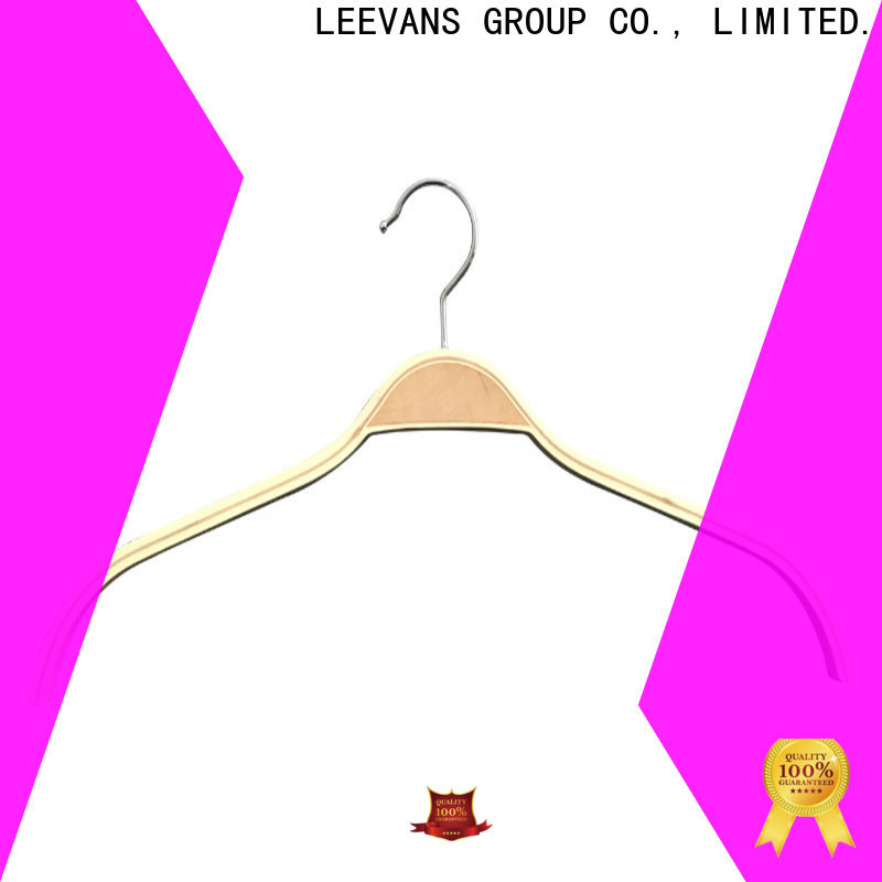 LEEVANS Custom personalised wooden coat hangers Suppliers for clothes