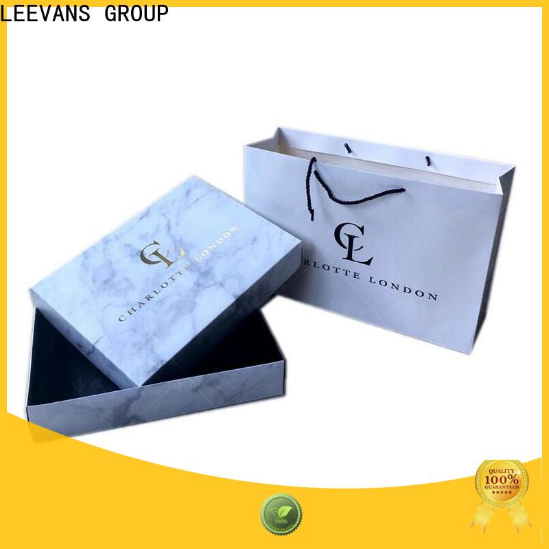LEEVANS clothing display manufacturers