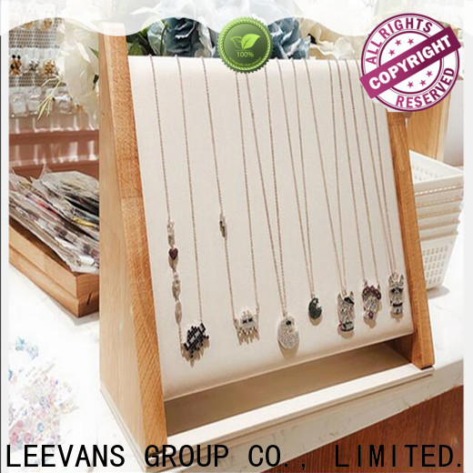 LEEVANS retail display props Suppliers
