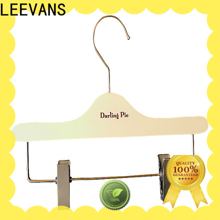 LEEVANS Wholesale personalised clothes hangers Suppliers for clothes