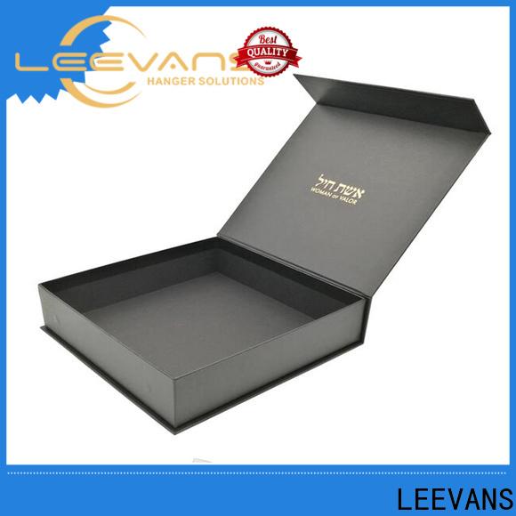 LEEVANS clothing display company