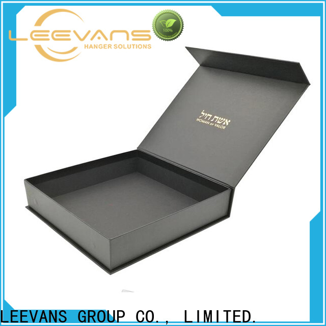 LEEVANS clothing display Suppliers