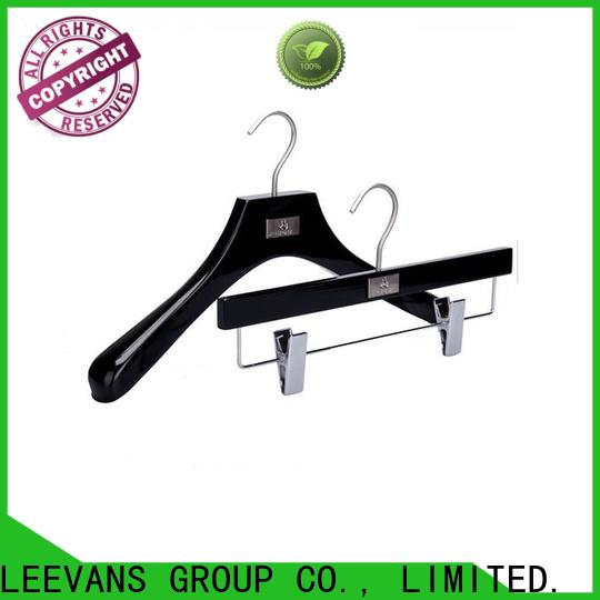 LEEVANS Wholesale buy wooden hangers Suppliers for pants