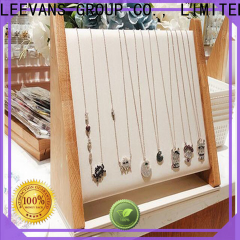 LEEVANS retail display props manufacturers