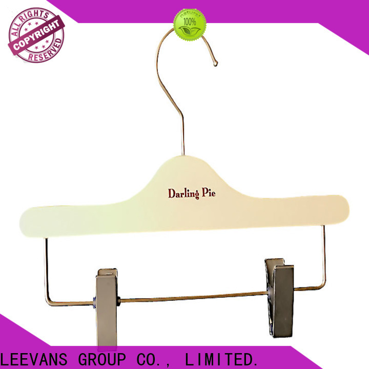Wholesale small wooden hangers shape Supply for pants