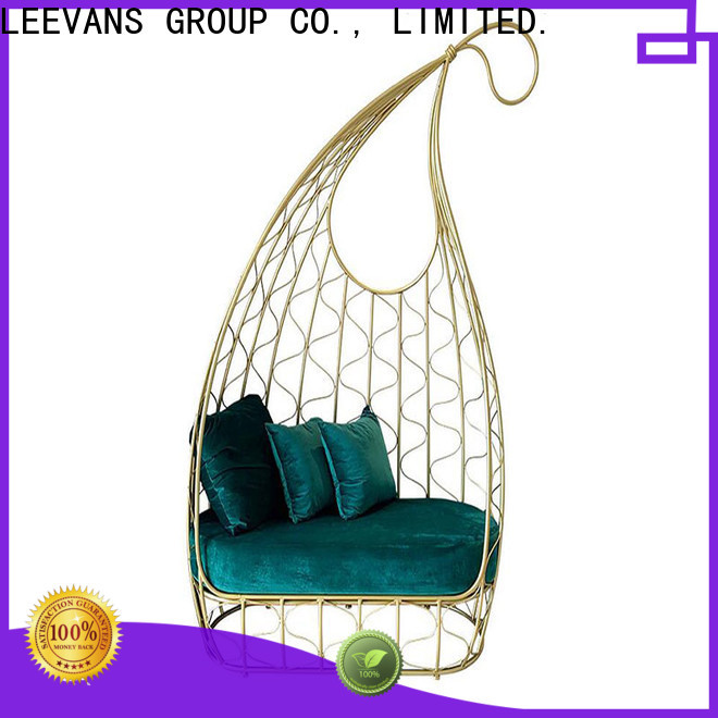 LEEVANS clothing shop seating Suppliers