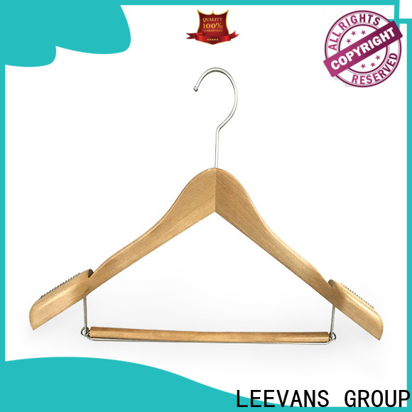 LEEVANS quality wooden hangers factory