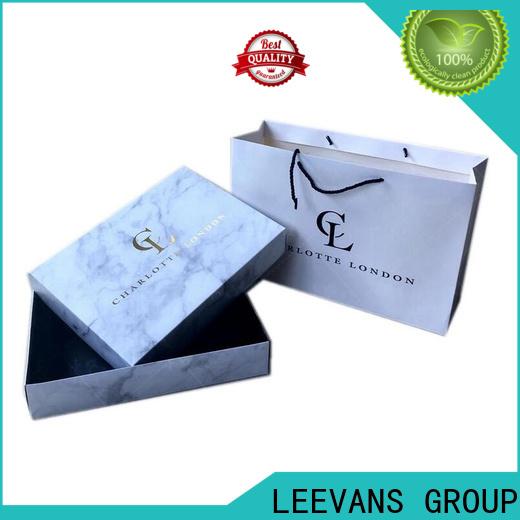 LEEVANS clothing display Suppliers