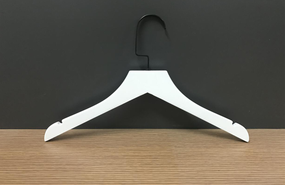 Hot Sle White Coat Hanger With Black Hook And Customized Logo
