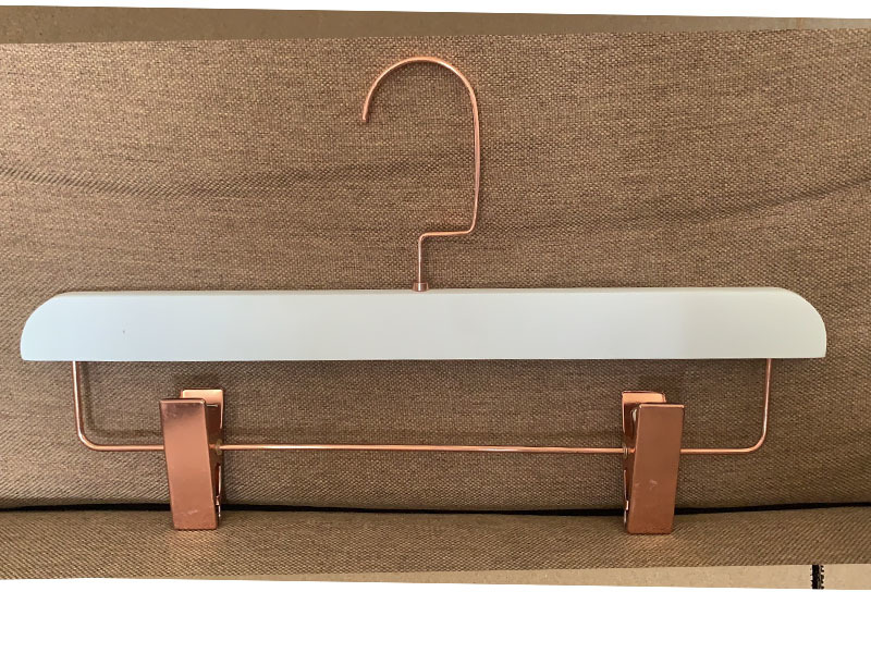 White Color Wooden Bottom Hanger With Two Clips