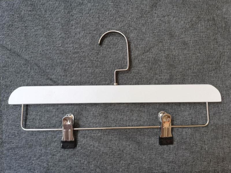 LEEVANS buy wooden hangers Suppliers-1
