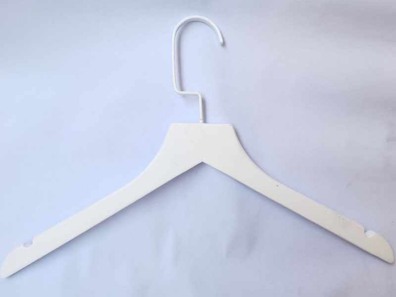 Non Slip White Wooden Coat hangers wholesale With Black Hook