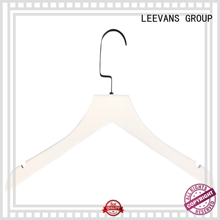 LEEVANS white small wooden coat hangers Supply for children